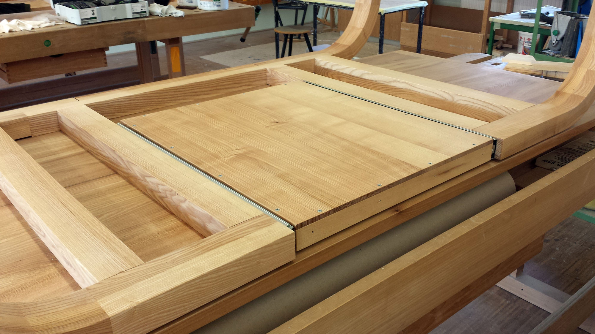 Tisch 01 idee werk for Stuhl und tisch verleih